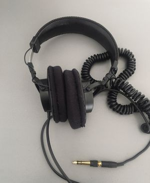 Sony MDR-7506 Studio Headphones for Sale in Orlando, FL