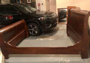 Queen Solid Wood Sleigh Bed for Sale in Atlanta, GA