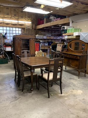 Three piece antique dinning room set for Sale in Port Orchard, WA