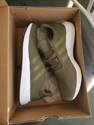 Adidas kids size 6 army green for Sale in Las Vegas, NV