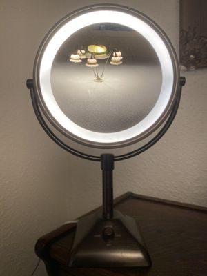 Makeup Mirror Vanity Mirror W/ Lights LED Magnifying Light Up Cosmetic Mirror for Sale in Miami, FL