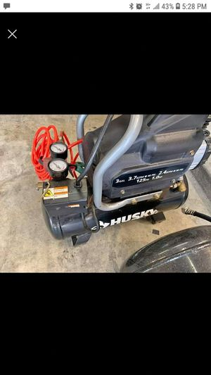 HUSKY 3 GALLON AIR COMPRESSOR @ HOBBY AIRPORT for Sale in Houston, TX