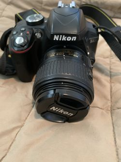 Nikon D3300 with 18-55mm Lens And Battery for Sale in Los Angeles,  CA