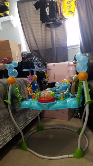 Finding Nemo jumper/activity center (No missing toys) for Sale in Las Vegas, NV