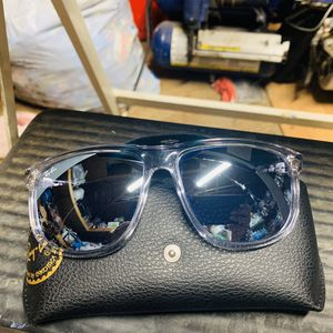 "Ray Ban RB 4147 ""Boyfriend "" Sunglasses for Sale in Los Angeles, CA"