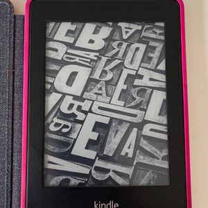 Kindle Paperweight (comes With Case) for Sale in Solana Beach, CA