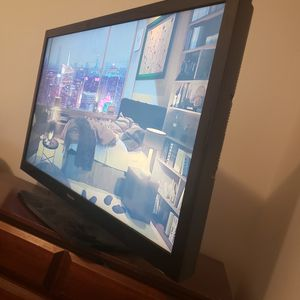 Hisense Flat-screen TV 39 Inch for Sale in Silver Spring, MD