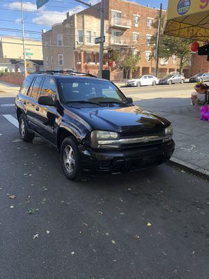 For sale 2004 Chevy Trailblazer 4x4 140k Miles for sale for $1,600 OBO for Sale in Queens, NY