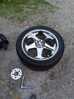 22in chrome rims 5 lug for Sale in Louisville, KY