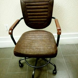 Executive chair for Sale in Rockville, MD