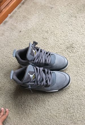 Wolf grey 4's size 10.5 for Sale in South San Francisco, CA