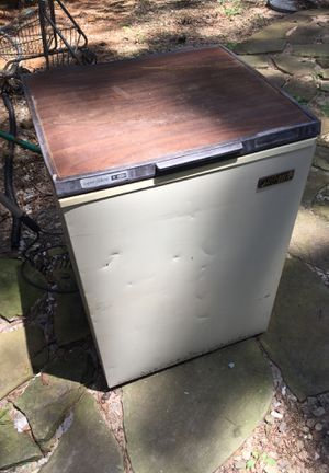 Deep Freezer (Unsure of brand) for Sale in Mableton, GA