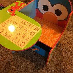 Toddler Elmo Desk for Sale in Sandy,  OR