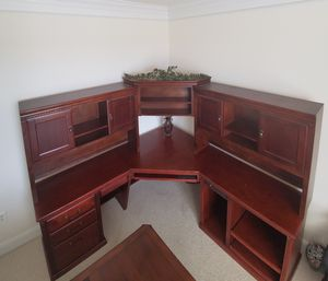 Executive corner desk with hutch for Sale in Purcellville, VA
