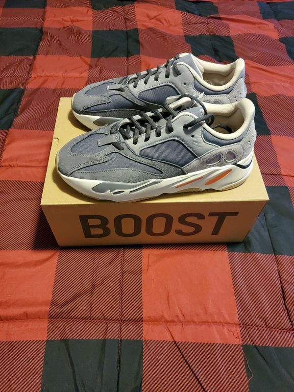 Yeezy Boost 700 Magnet size 10