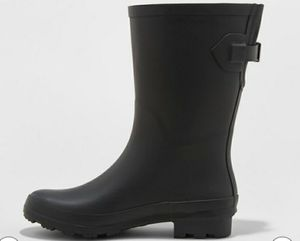 Rain boots womens size 7 for Sale in Hayward, CA