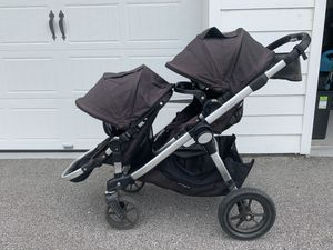Baby Jogger City Select Black Double Stroller with Britax car seat attachment for Sale in Charleston, SC