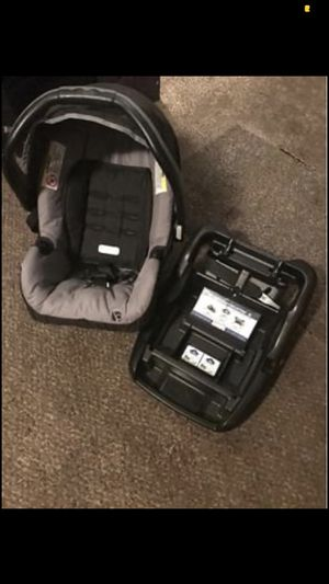 Car seat for Sale in Fowler, CA