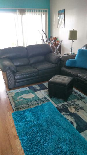 Black leather sofa and loveseat for Sale in Kenneth City, FL