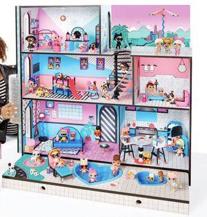 LOL Dollhouse (Furniture & a few dolls) for Sale in Montebello, CA
