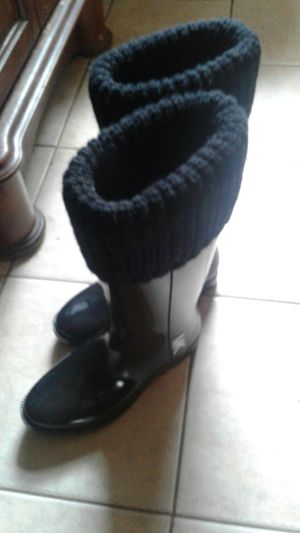 Michael Kors Rain boots size 8 for Sale in Salem, NH