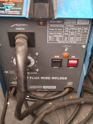 Chicago Electric 90amp Flux Wire Welder (Portable) for Sale in Seattle, WA