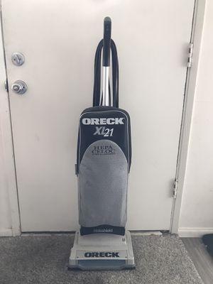 Oreck XL21 Vacuum for Sale in Los Angeles, CA