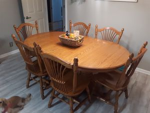 Amish made kitchen table and chairs for Sale in Murfreesboro, TN