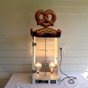 Super Pretzel Concession Retail Warmer Display w/ Rotating Rack J&J Snack for Sale in Knoxville, TN