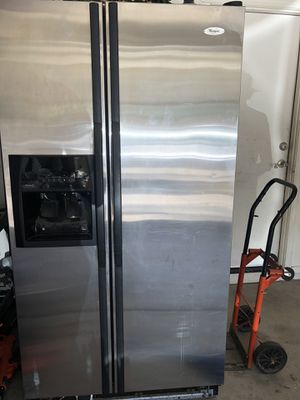 Whirlpool refrigerator works great for Sale in Avondale, AZ