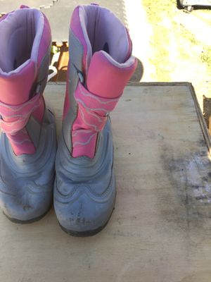 Pink and grey girls snow boots for Sale in Sparks, NV