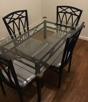 Small kitchen Table and chairs for Sale in Clifton, NJ