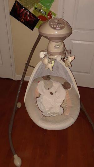 Fisherprice baby swing for Sale in Aspen Hill, MD