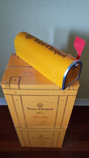 Veuve Clicquot Champagne Mailbox for Sale in Cedar Park, TX