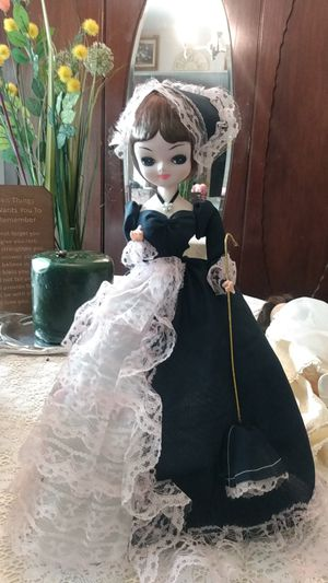Mint condition antique doll for Sale in San Antonio, TX