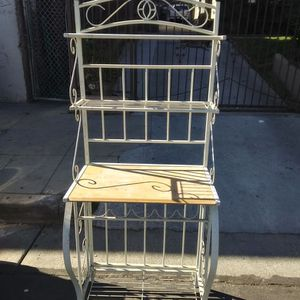Bakers Rack for Sale in Los Angeles, CA