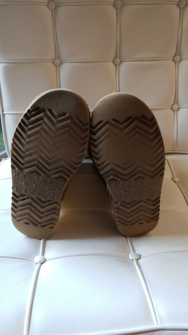 UGG boots Tall camel size 4 but (fits 6-7)