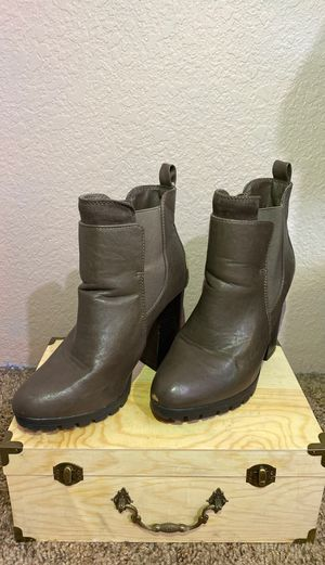 Charlotte Russe High Heel Brown Boots SIZE 8 for Sale in Hesperia, CA