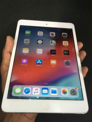 IPad mini 2,, Cellular and WI-FI Internet access, Excellent Condition, As like New for Sale in Springfield, VA