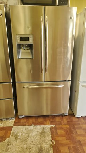 GE Profile Refrigerator French Door for Sale in Dallas, TX