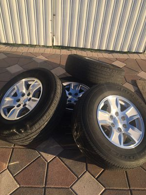 2017 Chevrolet 6 lung rims tires for Sale in Palmetto Bay, FL