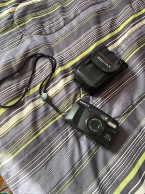 VINTAGE Pentax IQZoom EZY-R 38mm 70mm Point and Shoot Film Camera for Sale in Brooklyn, NY