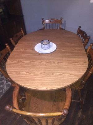 Kitchen table w/leaf and 6 chairs for Sale in Mooresville, IN