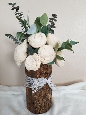Large Wood Flower Centerpiece for Sale in Beaumont, CA