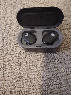 Skullcandy Bluetooth headphones for Sale in Centennial,  CO