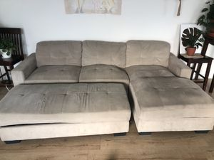 Grey sectional couch with storage ottoman for Sale in Miami, FL