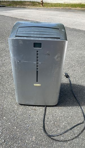 Room Airconditioner 12,000 btu for Sale in Woodbridge, VA
