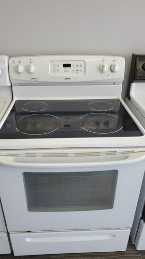 Kenmore Glass Top Electric Range - warranty included for Sale in Sacramento, CA