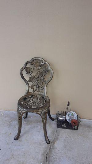 Antique chair needs to be home by today. 11/1/2019. for Sale in Plantation, FL