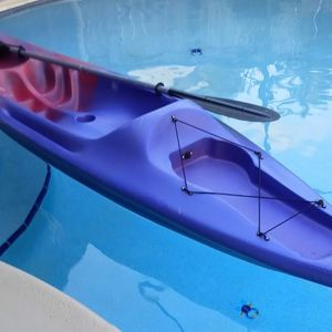 Kayak Sunswell 10.5 Foot With Paddle for Sale in Fort Lauderdale, FL